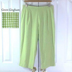 Briggs Green And White Gingham Capris Pants (EUC)